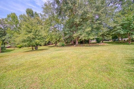 449 Moores Crossing Drive image 31
